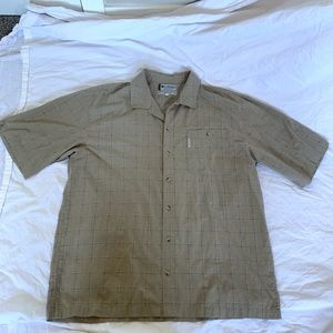 Men's Columbia Short Sleeve Button Down Very Nice!